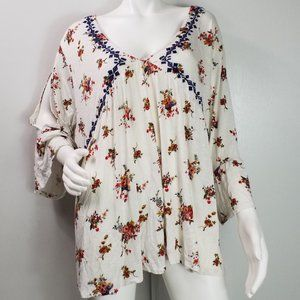 Eyeshadow Top Sz 3X Floral Embroidered Vneck